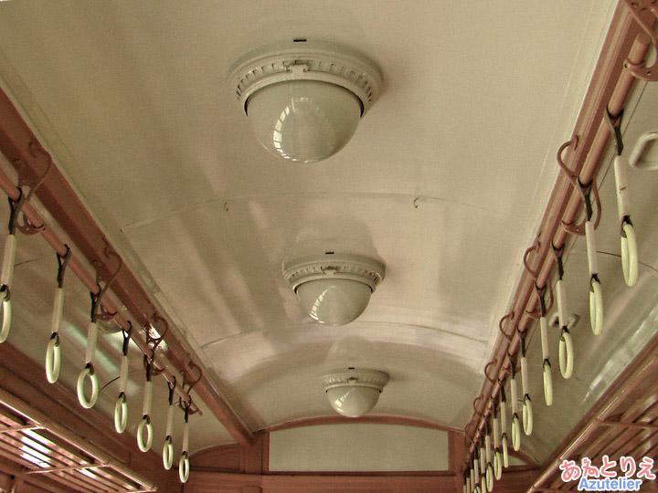 モ401天井