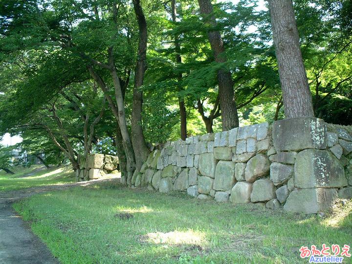 石垣(竹千代橋)