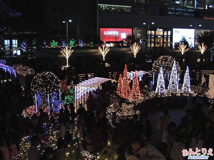 脇の広場(夜)
