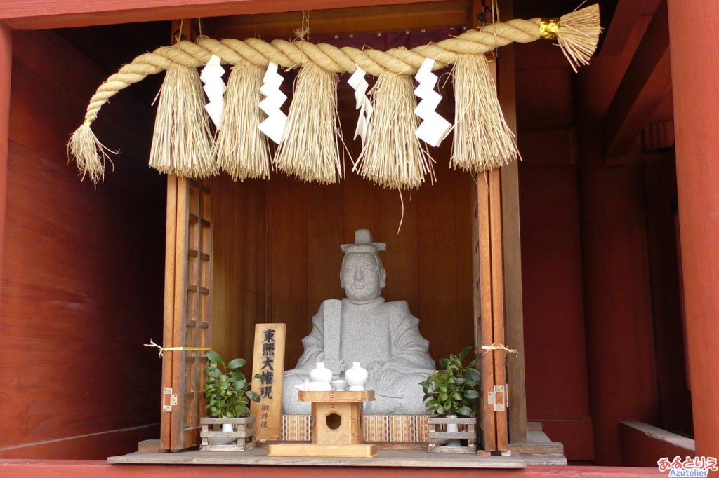 東照公の像(随神門)
