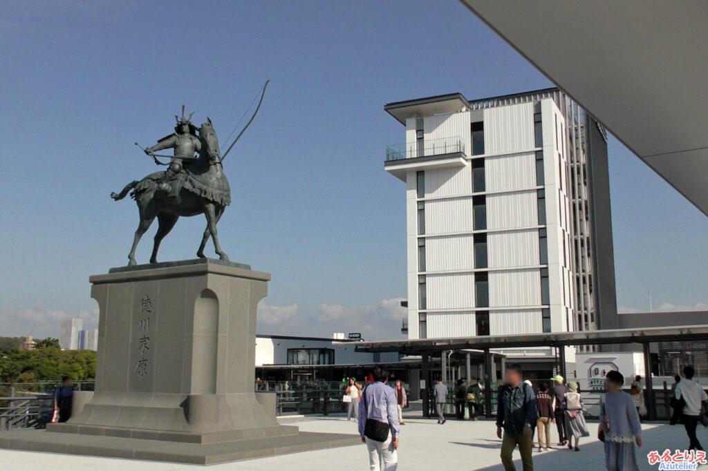 徳川家康公騎馬像