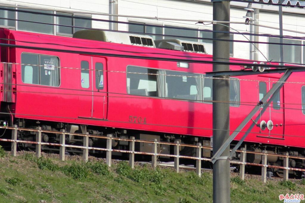 5700系5704Fの廃車回送される準備がされていました。