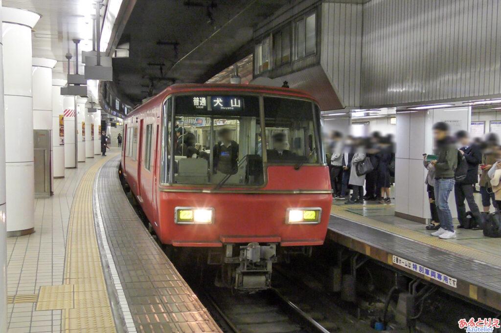 名古屋駅:5300系